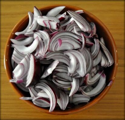 tagliare le cipolle