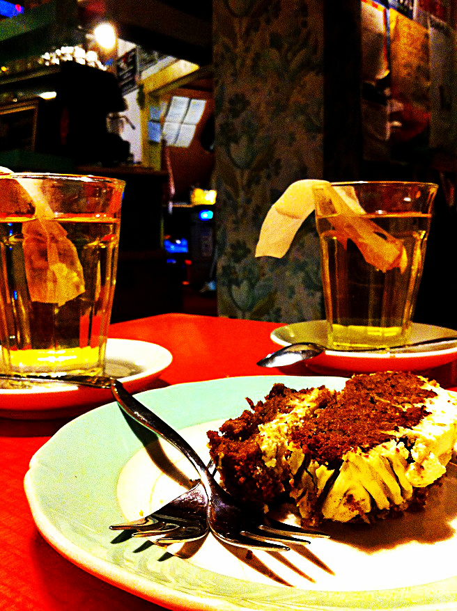 Carrot cake and thè @ Latei Amsterdam